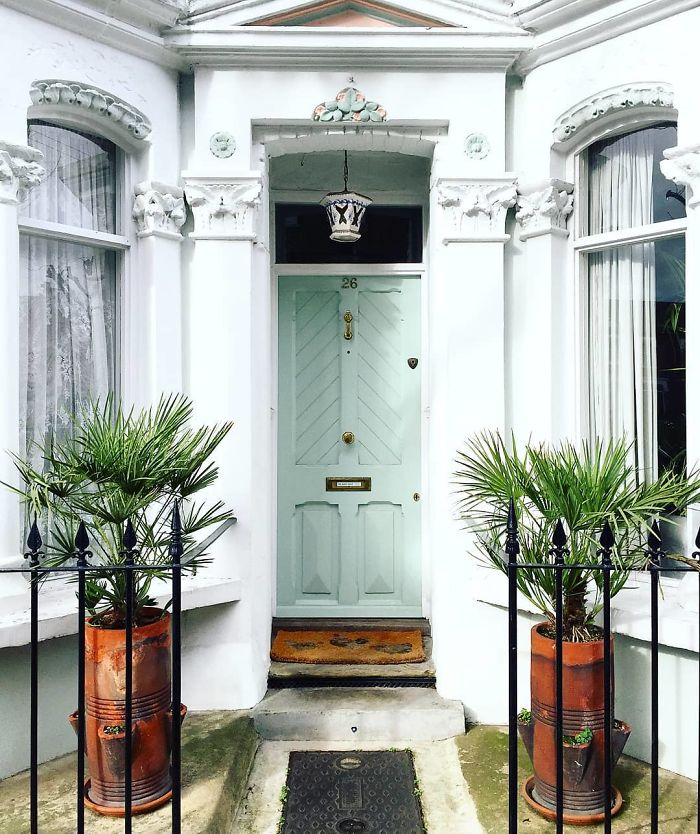 colorful front doors photography london bella foxwell 1 5c36f9d676c06 700