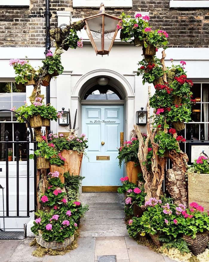 colorful front doors photography london bella foxwell 11 5c36f9eac929d 700
