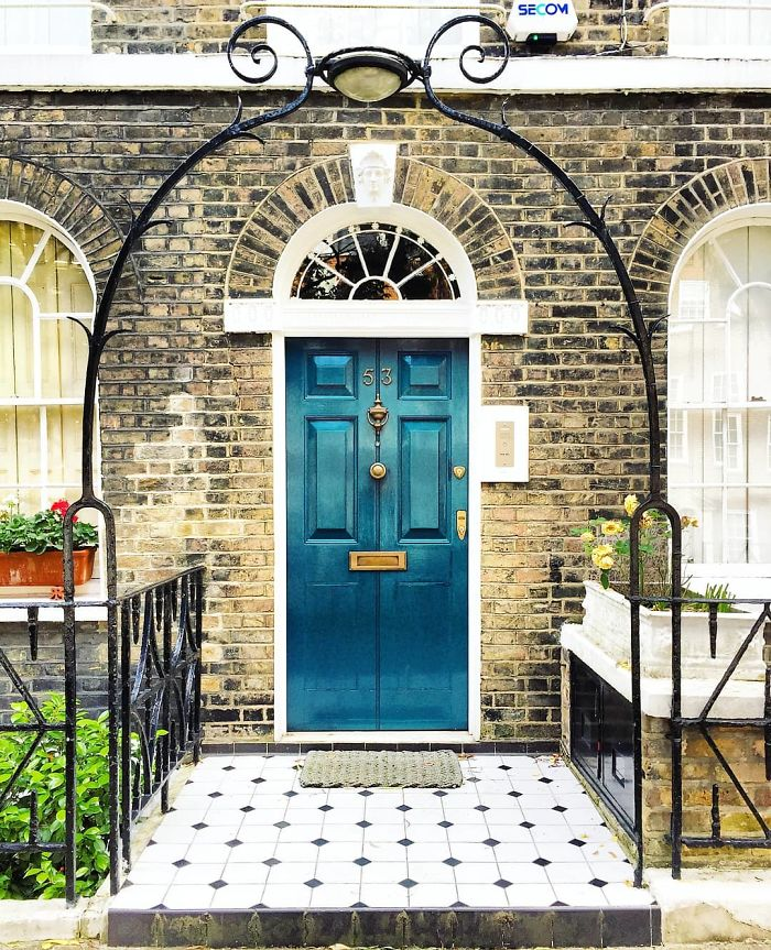 colorful front doors photography london bella foxwell 38 5c36fa2600dc2 700
