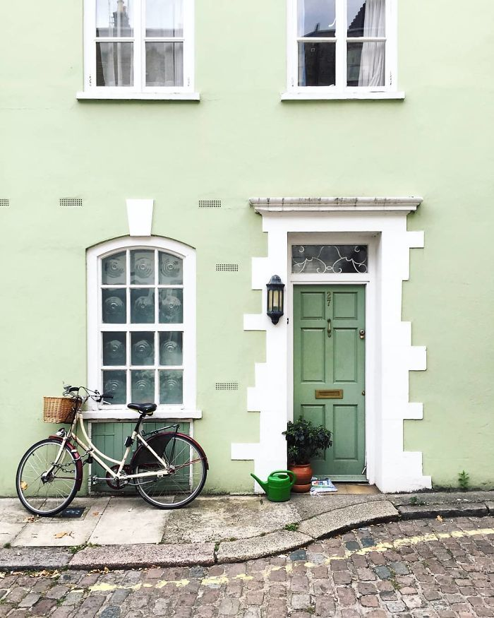 colorful front doors photography london bella foxwell 58 5c36fa528182a 700