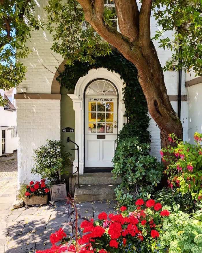 colorful front doors photography london bella foxwell 89 5c36fa8d8f355 700