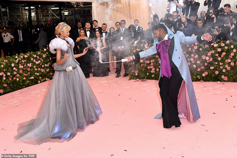 13178826 7000015 magical gown zendaya who many thought was the queen of the met g a 31 1557213407301