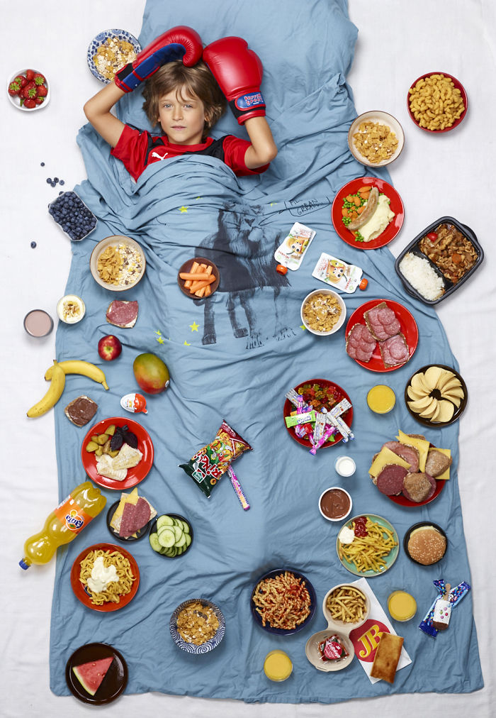 kids surrounded weekly diet photos daily bread gregg segal 29 5d11c12a228af 700
