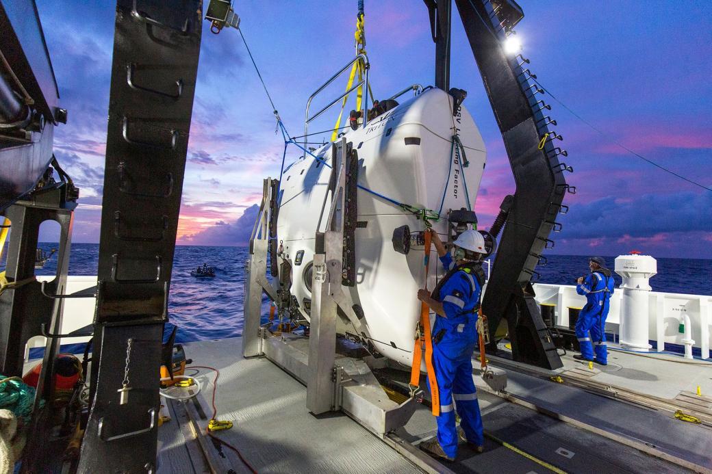 Tàu lặn The Limiting Factor hiện là con tàu duy nhất trên thế giới đạt chứng nhận có thể chịu được áp suất đại dương ở tầng nước thấp nhất. Bởi vì đặc tính này, con tàu không được sản xuất hàng loạt mà chỉ chế tạo từng chiếc theo đơn đặt hàng.