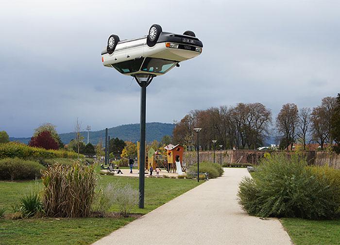 sculptures defying gravity laws of physics 138 5a7812de4e665 700