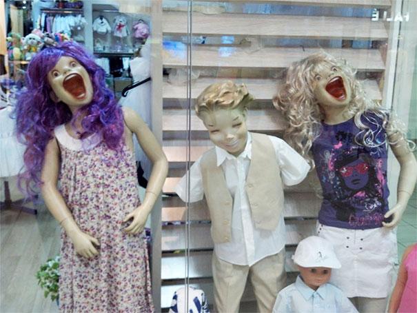 funny mannequins 17 5ab3a6afc8e9a 605