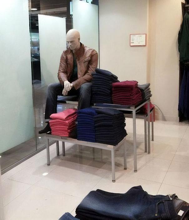 funny mannequins 34 5aba0e8d10c09 605