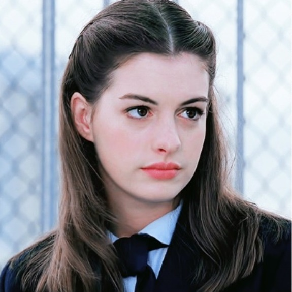 anne hathaway anh2