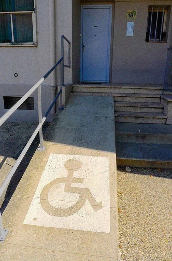 extreme wheelchairing accessibility fails 5 5d4d681fdc139 700