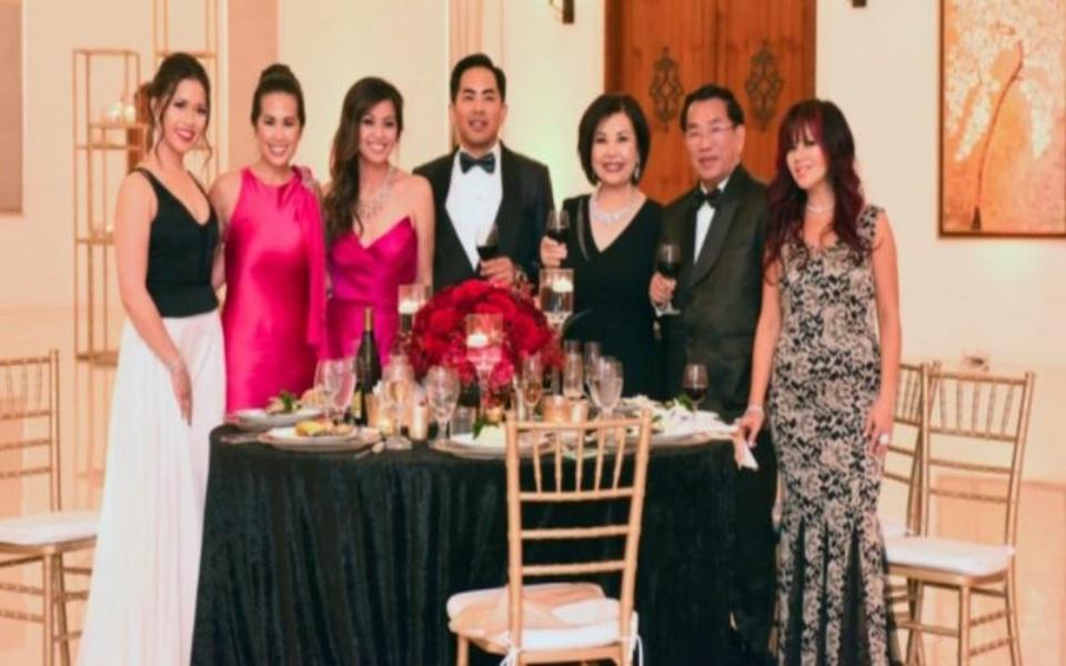 Chương trình giới thiệu về gia đình siêu giàu người Mỹ gốc Việt có tên 'Dòng họ Hồ' sắp phát sóng trên HBO