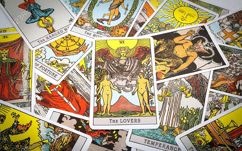 Ý nghĩa của các lá bài tarot mà có thể bạn chưa biết (P1)