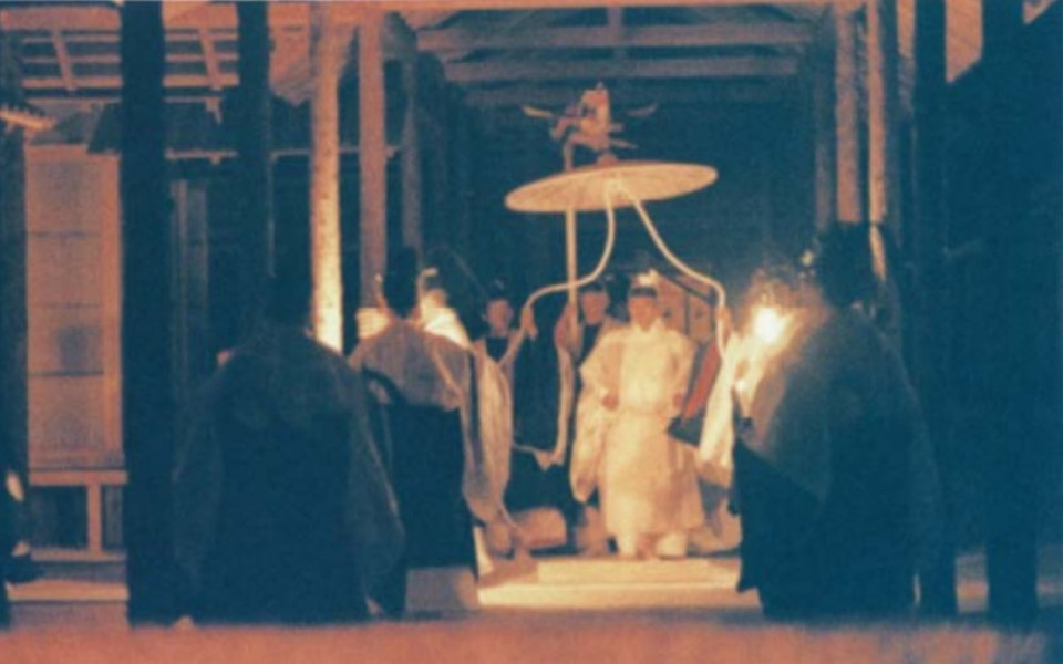 Bí ẩn nghi lễ qua đêm với Nữ thần Mặt Trời lãng phí 580 tỷ đồng tiền thuế của Nhật Bản