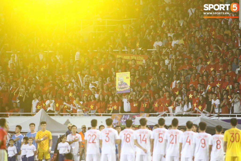 'Bóng đá Việt Nam' đang chiếm trọn top tìm kiếm của Hàn Quốc