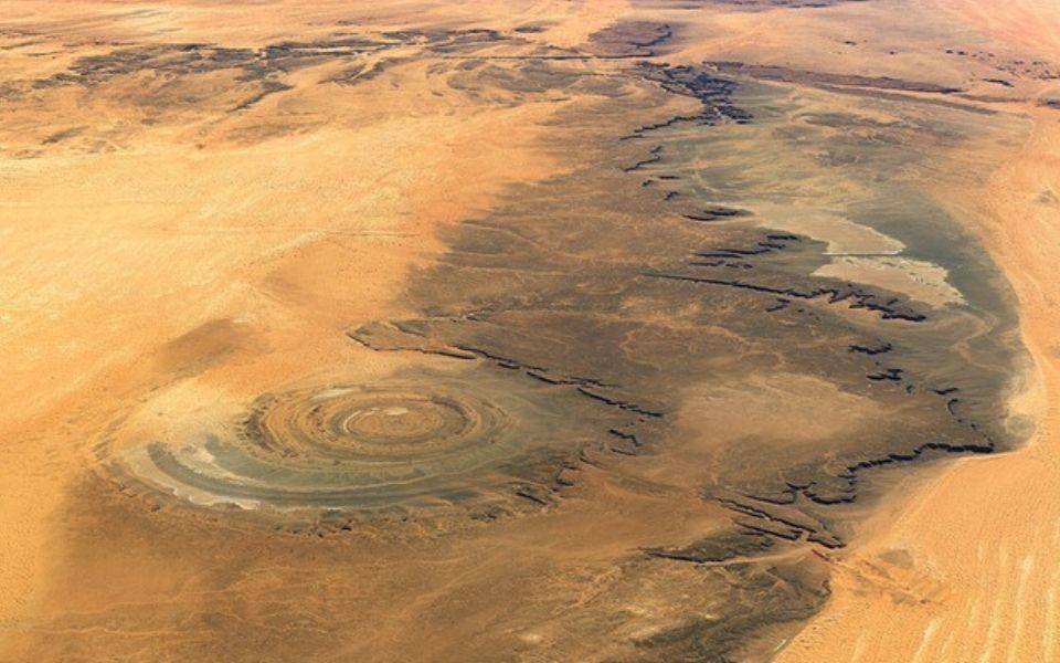 Chiêm ngưỡng tuyệt tác thiên nhiên Cấu trúc Richat - 'Con mắt của Sahara'