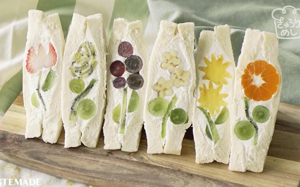 Bánh mì sandwich hình hoa xinh xắn từ công thức đặc biệt của người Nhật