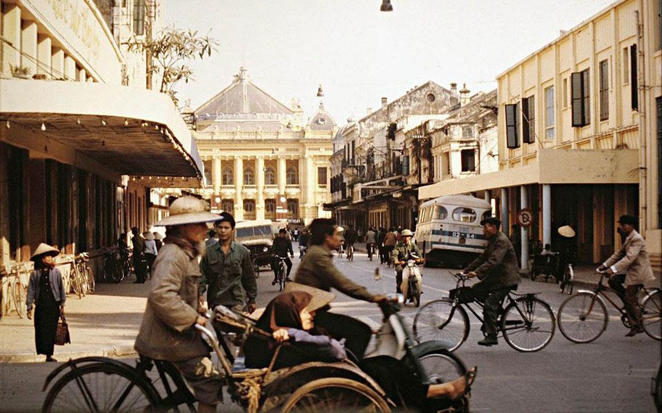 Loạt ảnh màu hiếm hoi về Hà Nội năm 1979: Những tháng năm trong trẻo không bao giờ trở lại