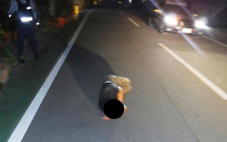 Nhật Bản đau đầu tìm giải pháp ngăn chặn hiện tượng người dân thích ngủ vật vã trên đường