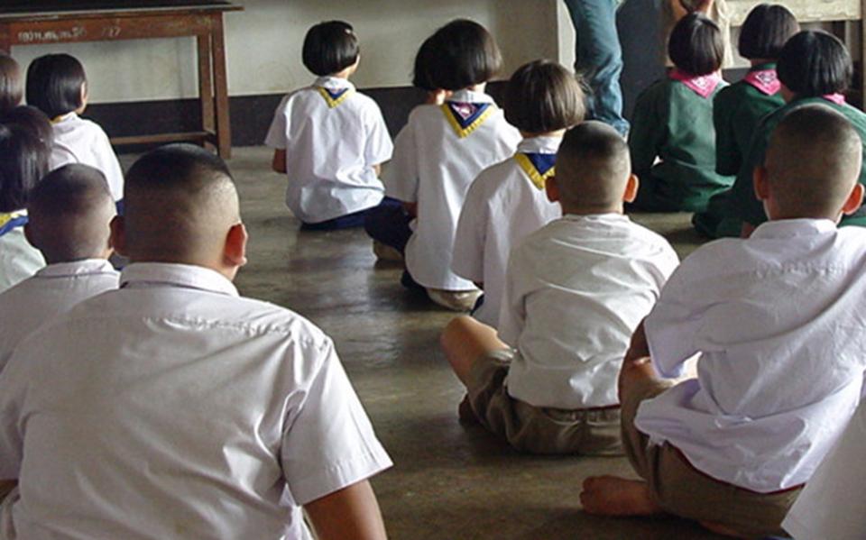 Học sinh Thái Lan qua đời giữa đêm sau khi bị giáo viên phạt đứng lên ngồi xuống 100 cái