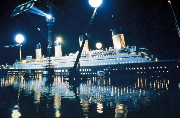 1648960 750381 vertical titanic sinking wallpapers 3243x2133 1528488990 728 670fde9f3d 1528982350
