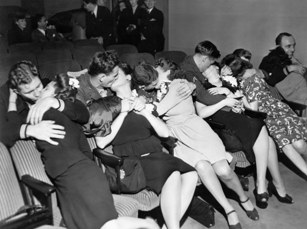 kissing orgy soldiers and sailors reunited with theirwives in a picture id515296926 size1280