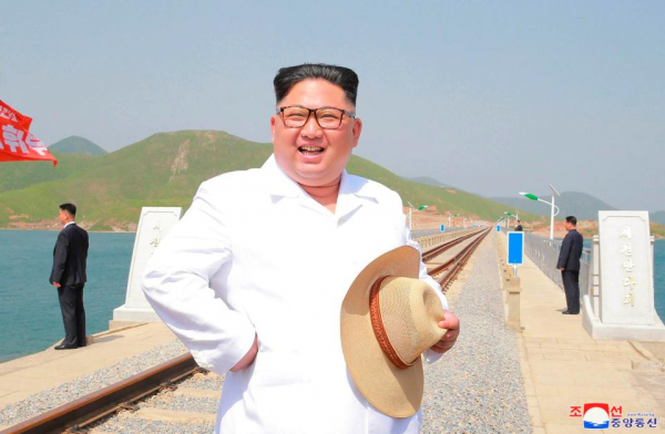 kim inspects the newly completed koam tapchon railways in gangwon do