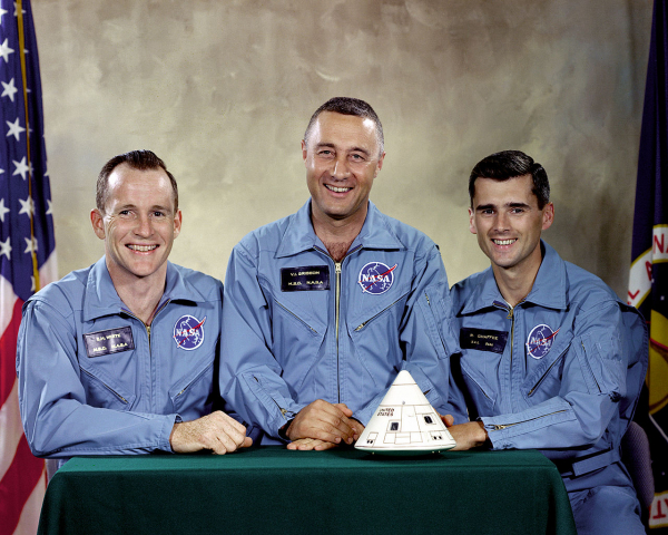 the tragedy of the first apollo mission to space 2