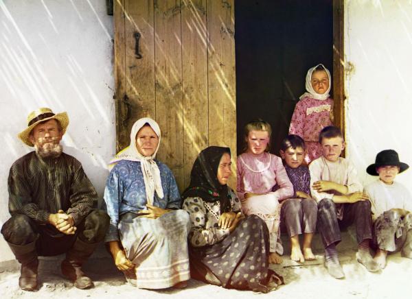 Những dân di cư người Nga sống tạm tại một khu tái định cư mà ngày nay là vùng đất thuộc nước Azerbaijan, chụp năm 1910.