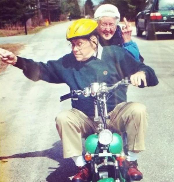funny grandparents 115 5a45ed12b0cf5 605 1
