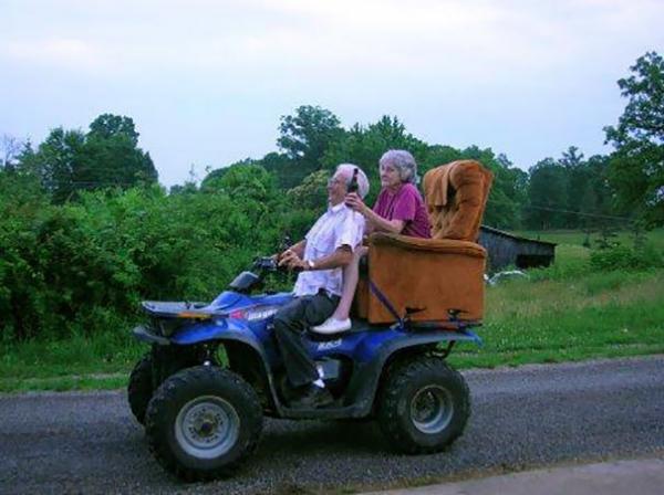 funny grandparents 118 5a45eec9c77b4 605