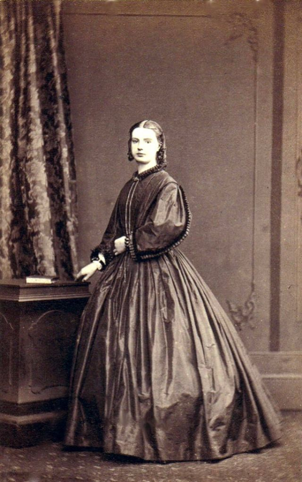 girls dresses in the 1860s 28