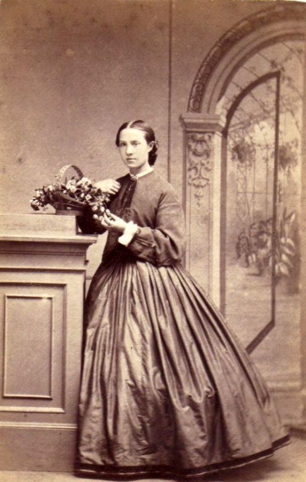 girls dresses in the 1860s 31
