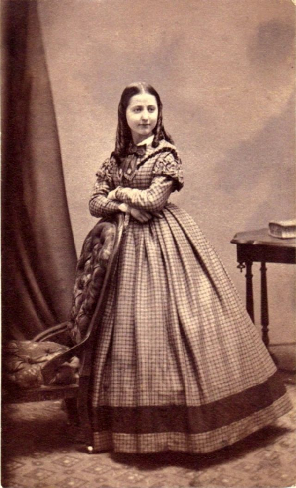 girls dresses in the 1860s 34