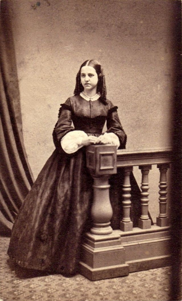 girls dresses in the 1860s 36