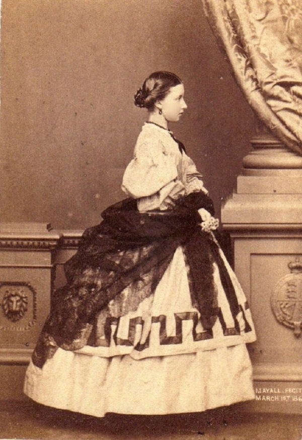 girls dresses in the 1860s 4