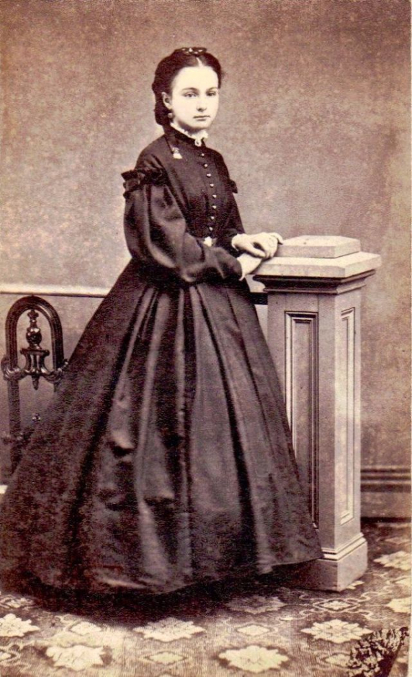girls dresses in the 1860s 40