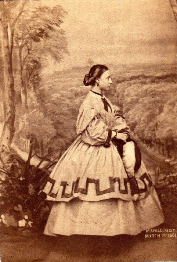 girls dresses in the 1860s 5