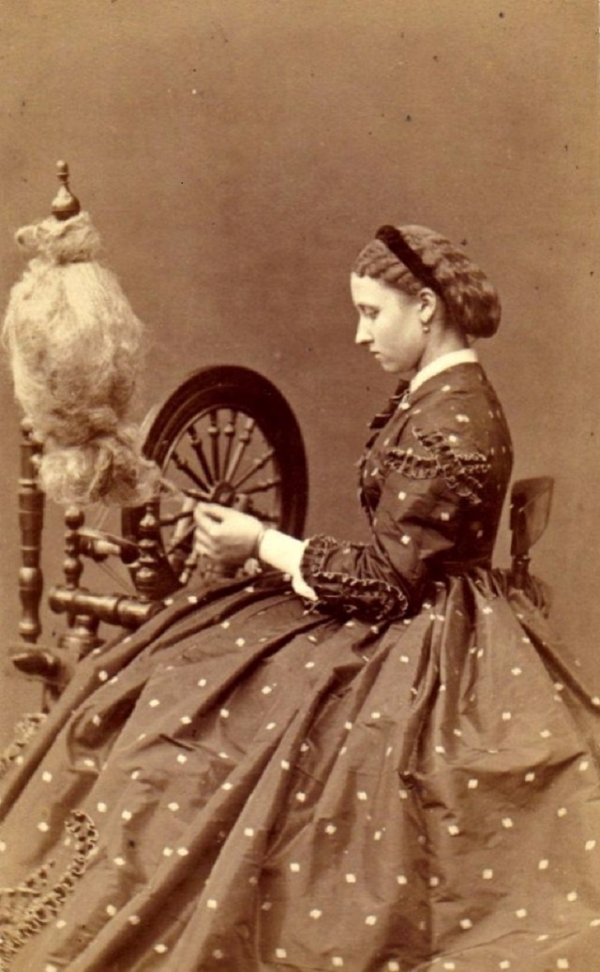 girls dresses in the 1860s 6