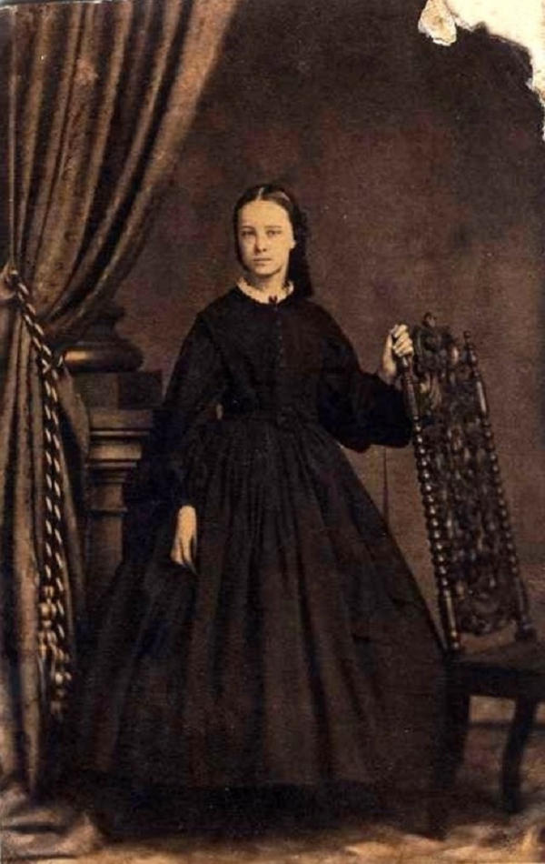 girls dresses in the 1860s 7