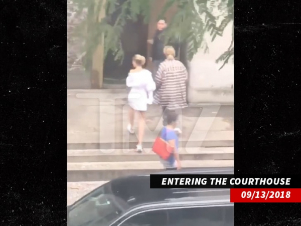 1001 justin bieber hailey baldwin entering courthouse nocred 2