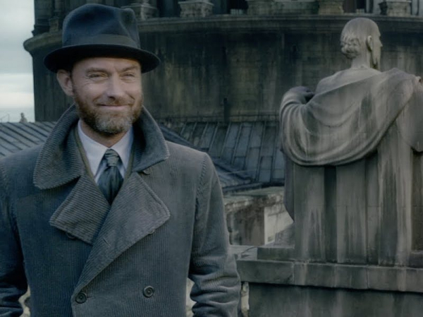 we just learned a huge secret about albus dumbledore in the latest crimes of grindelwald trailer