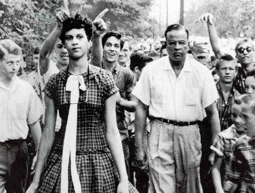 dorothy counts was 15 when she became the first black girl at harding college in charlotte south america