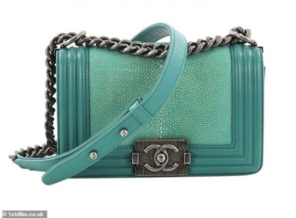 6989954 6458767 chanel has announced it is banning the use of animal skin in its m 67 1543926164594