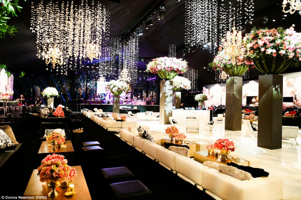 3207593300000578 3483958 opulent decorations at the party included flowers and butterflie a 18 1457538440791