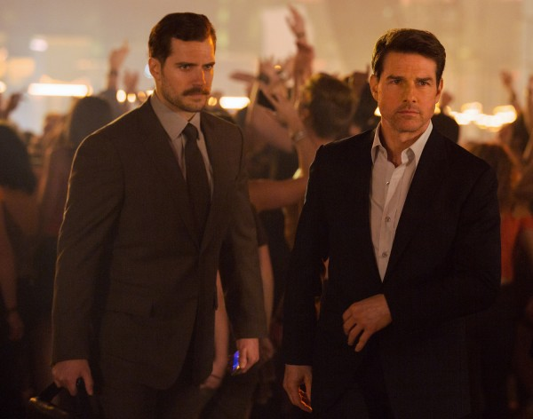 mission impossible fallout tom cruise henry cavill 600x472
