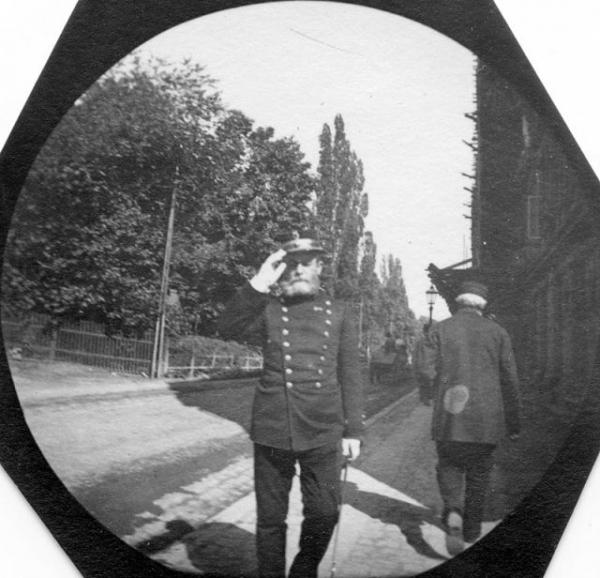 norwegian officer per schjelderup nissen in a kristiania oslo street photographed through a spy camera by carl stormer 640x616