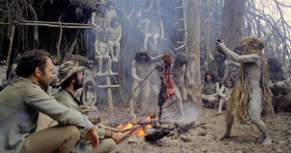 cannibal holocaust fire