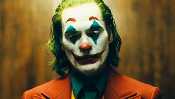joker movie trailer has gritty martin scorsese look itcould be an oddball winner for studio 5ca5a28c1ae39
