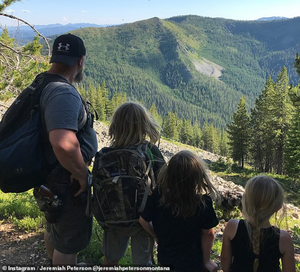 12386260 6931939 struggling the hike made the dad of three realize how he could n a 34 1555510847924