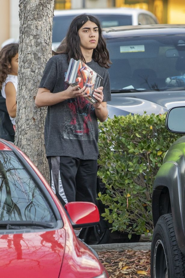 0 pay exclusive the reclusive blanket jackson hangs out with his cousins before the holidays 2