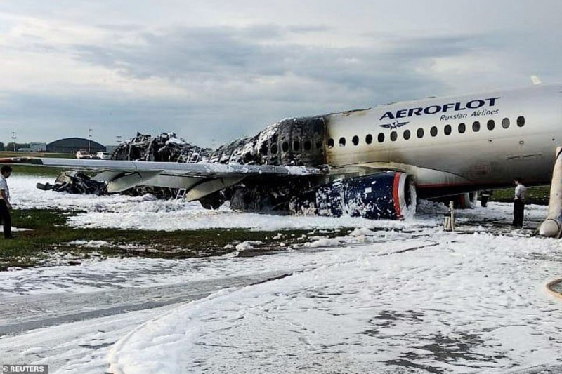 13139838 6996559 survivors described how people panicked as the plane came in to a 19 1557208017622